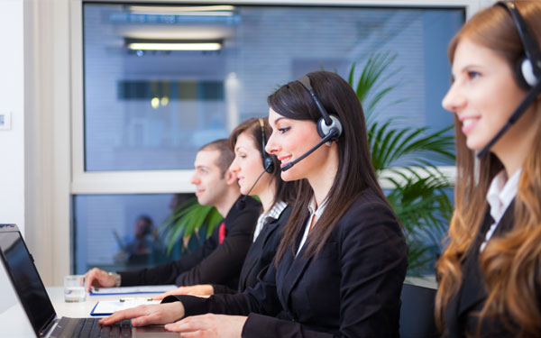 Multi-Language tech support team